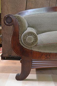 Biedermeier Sofa - Detailaufnahme Seitenteil - antike Möbel